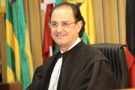 Ministro Hugo Carlos Scheuermann