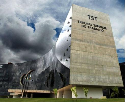Fachada do edifício-sede do TST.